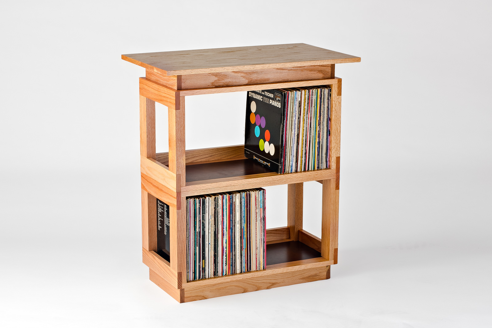 Oak Eleganza Side Table with Fitted Top : NEW! Holds +/- 300 LPs